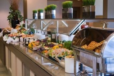 Hotel Ramada Winnipeg Airport Viscount Gort: Buffet WINNIPEG