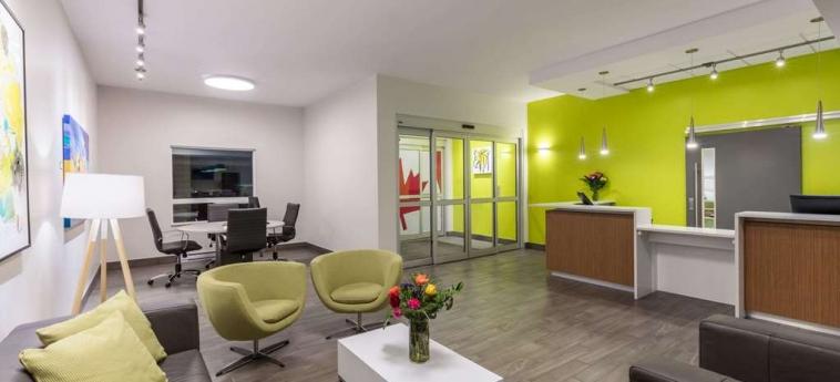 Hotel Super 8 Winnipeg East Mb: Lobby WINNIPEG