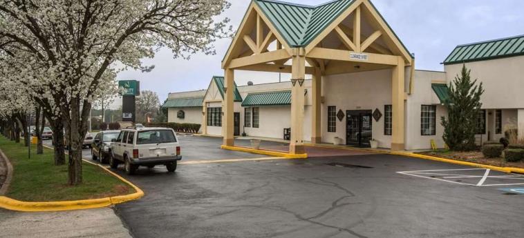 Hotel Quality Inn & Suites: Exterior WINSTON SALEM (NC)