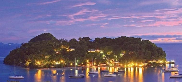Hotel Young Island Resort: Jardín YOUNG ISLAND