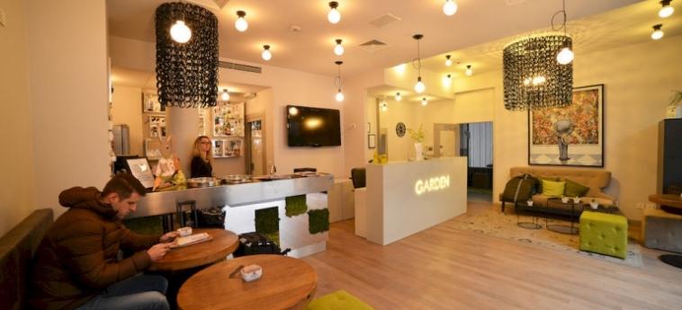 Hotel Garden: Parqueadero ZAGABRIA