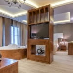 ELEGANCE LUXURY EXECUTIVE SUITES 4 Stelle