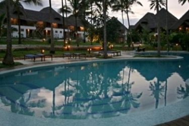 Hotel Ora Marumbi Beach: Outdoor Swimmingpool ZANZIBAR