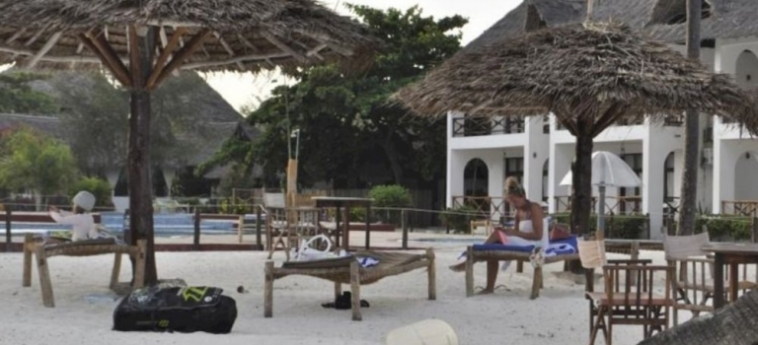 Hotel African Sun Sand Sea Beach Resort & Spa: Plage ZANZIBAR