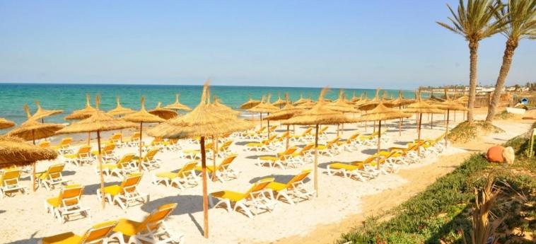 Hotel Vincci Safira Palms: Plage ZARZIS