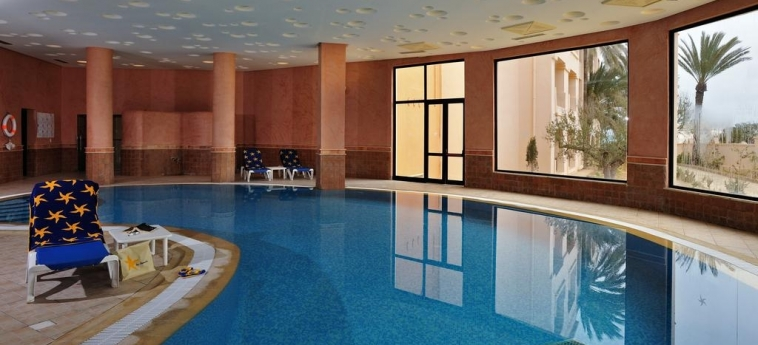 Hotel Vincci Safira Palms: Indoor Swimmingpool ZARZIS
