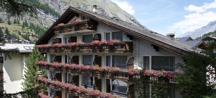 Hotel Jaegerhof: Außen ZERMATT