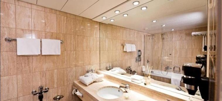 Fifa Hotel Ascot: Salle de Bains ZURICH