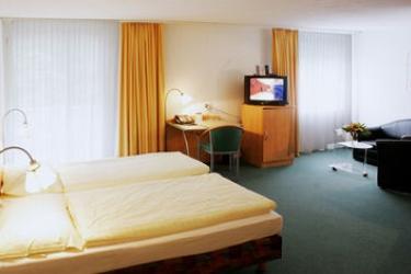 Apart-Hotel Operated By Hilton: Lounge Bar ZURIGO