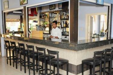 Amore Hotel Apartments: Bar ZYPERN