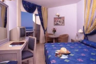 Hotel Laura Beach: Schlafzimmer ZYPERN